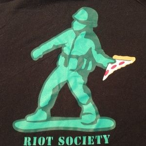 Awesome Riot Society T-SHIRT Boys M